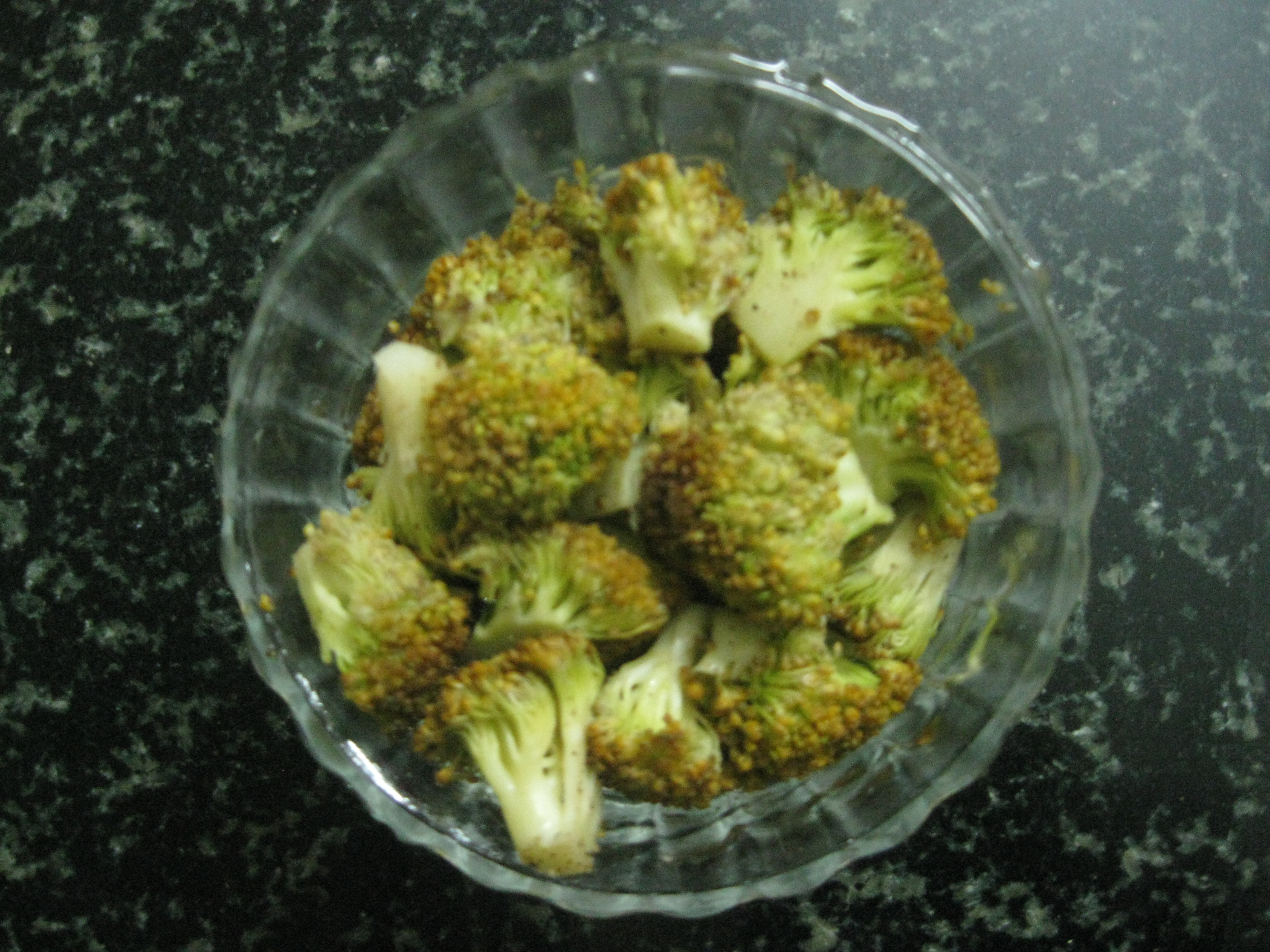 Steamed Broccoli with Salt and Pepper